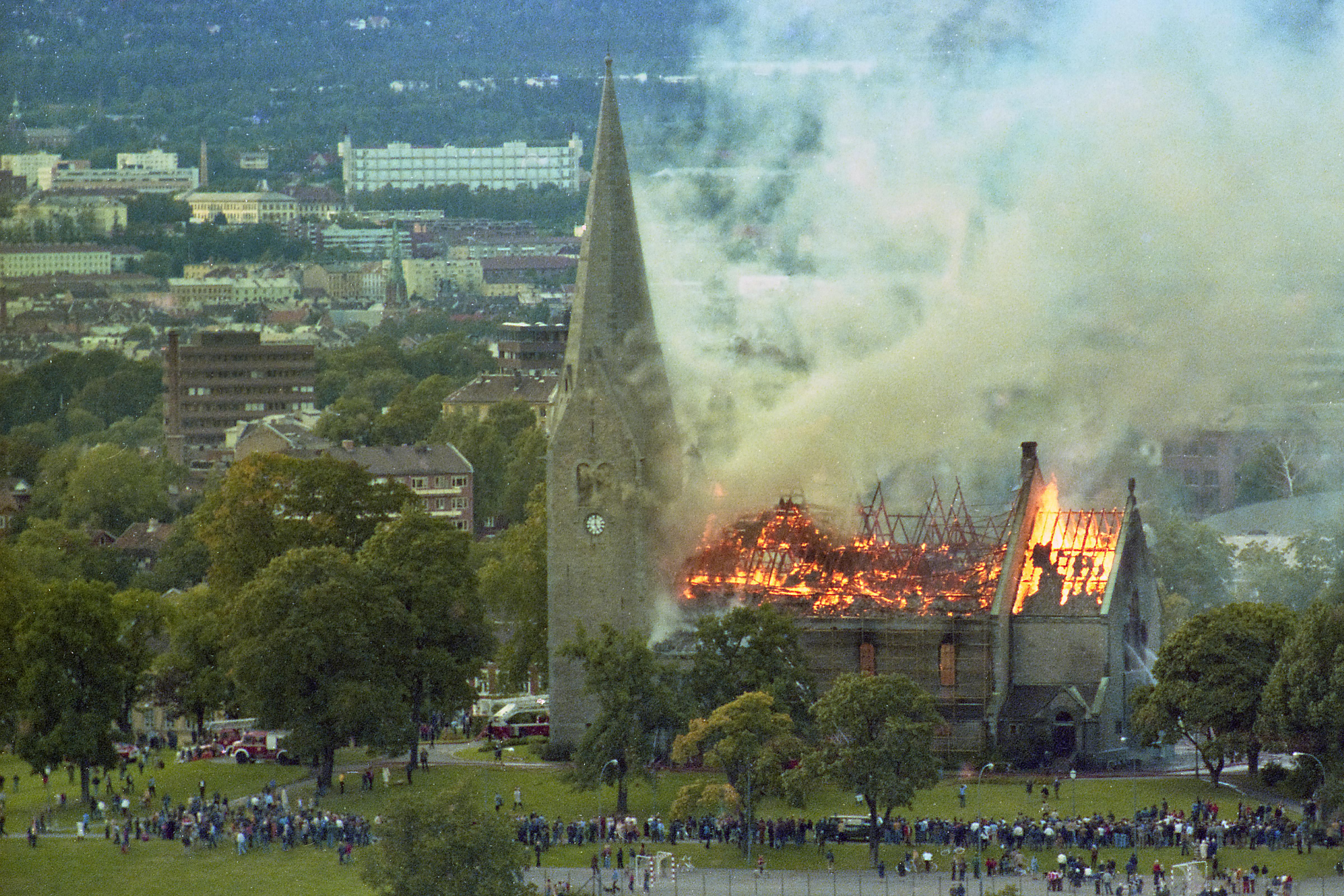 Kirkebrann_Vålerenga_Knut_Arveng_01
